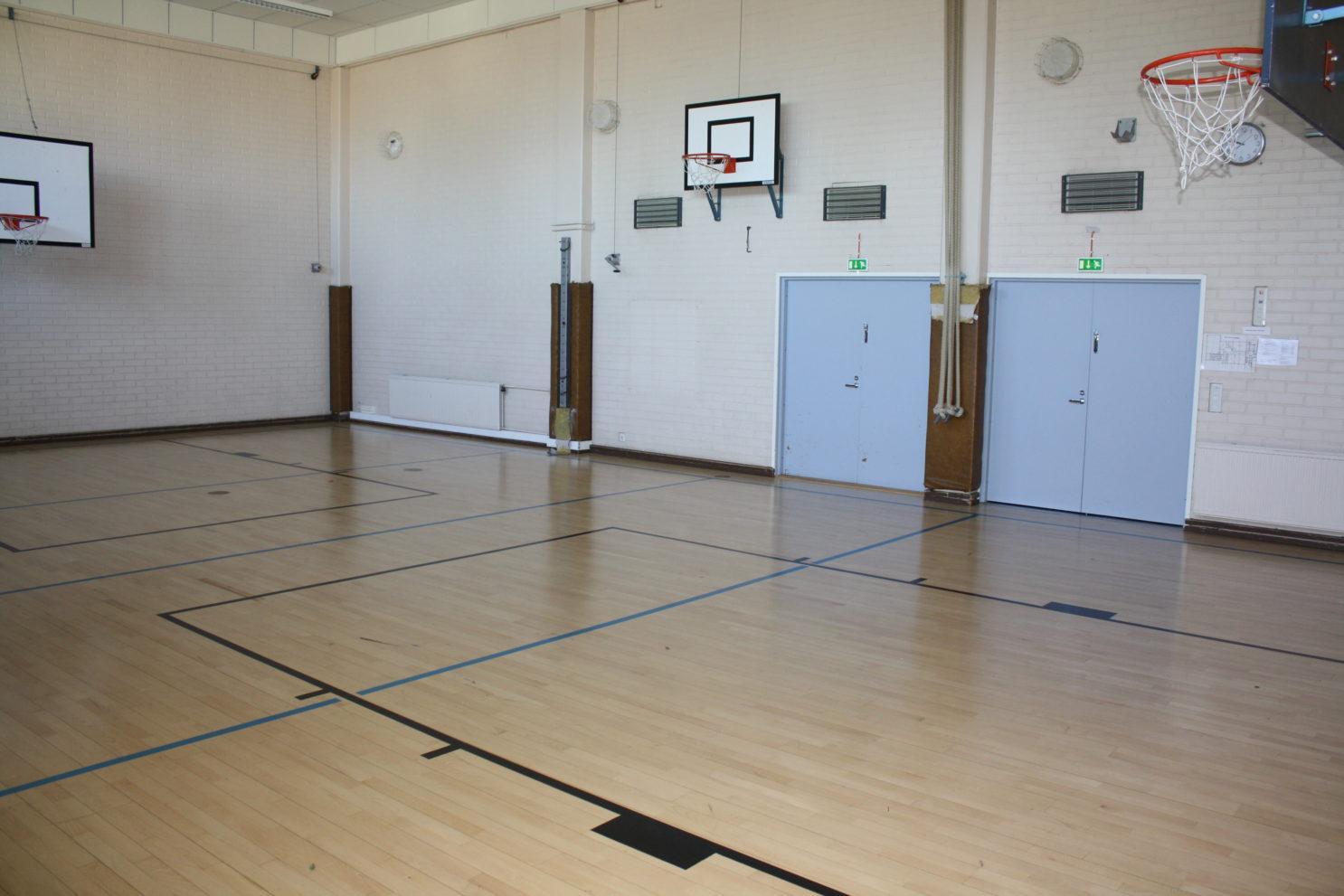 Lepsämän koulun sali