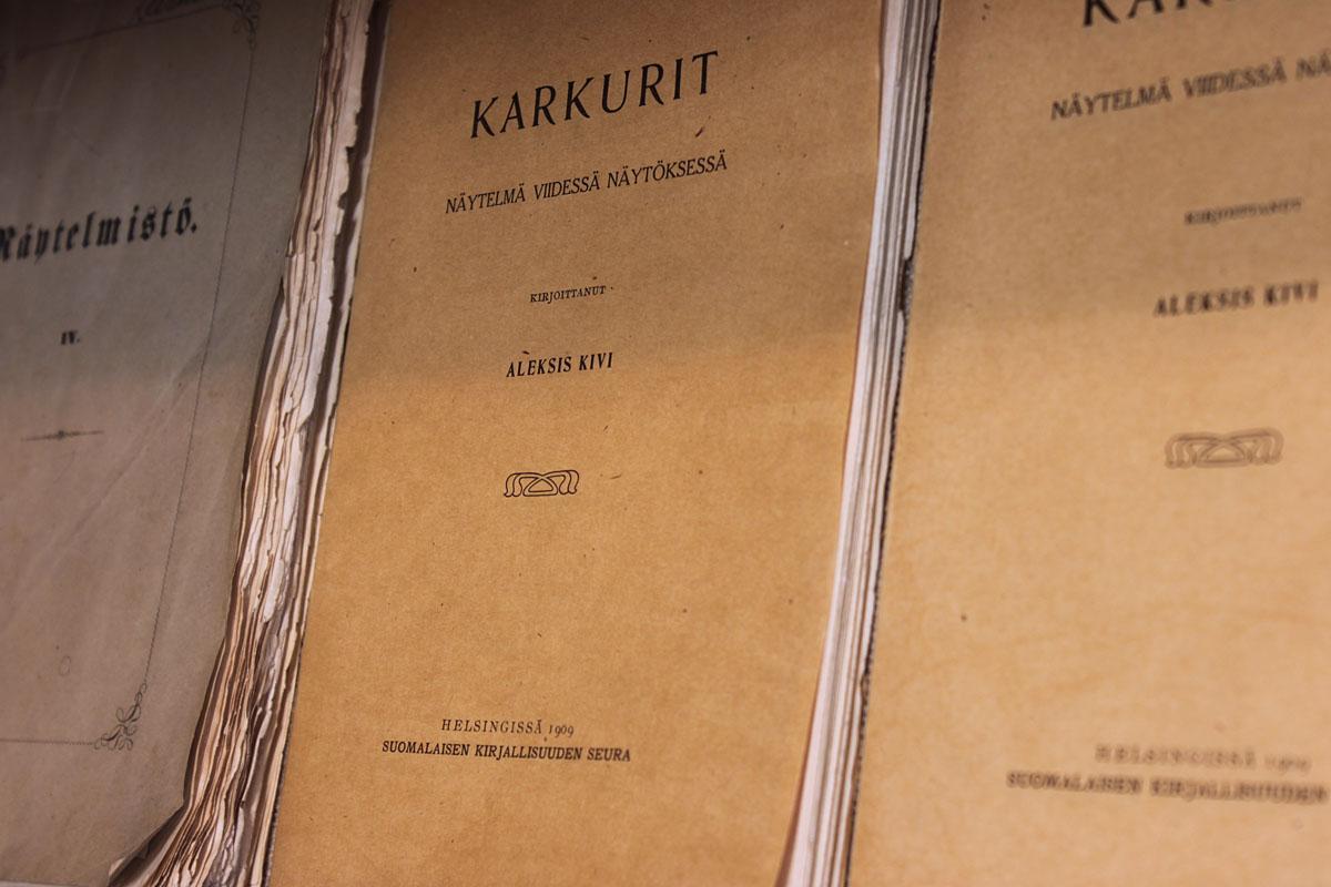 Karkurit/Näytelmistö, SKS/1867 & Karkurit, SKS/1909.