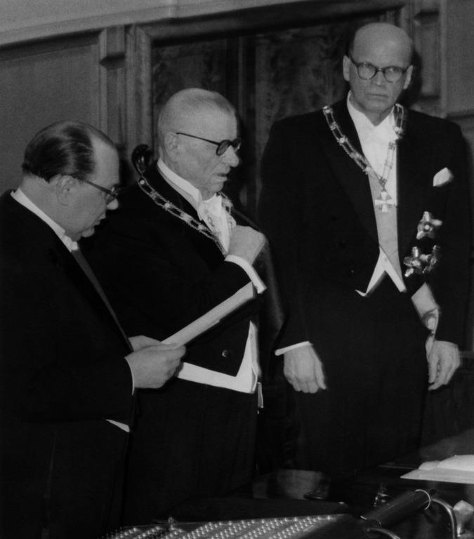 Presidentti Kekkosen virkaanastujaiset Eduskuntatalossa.