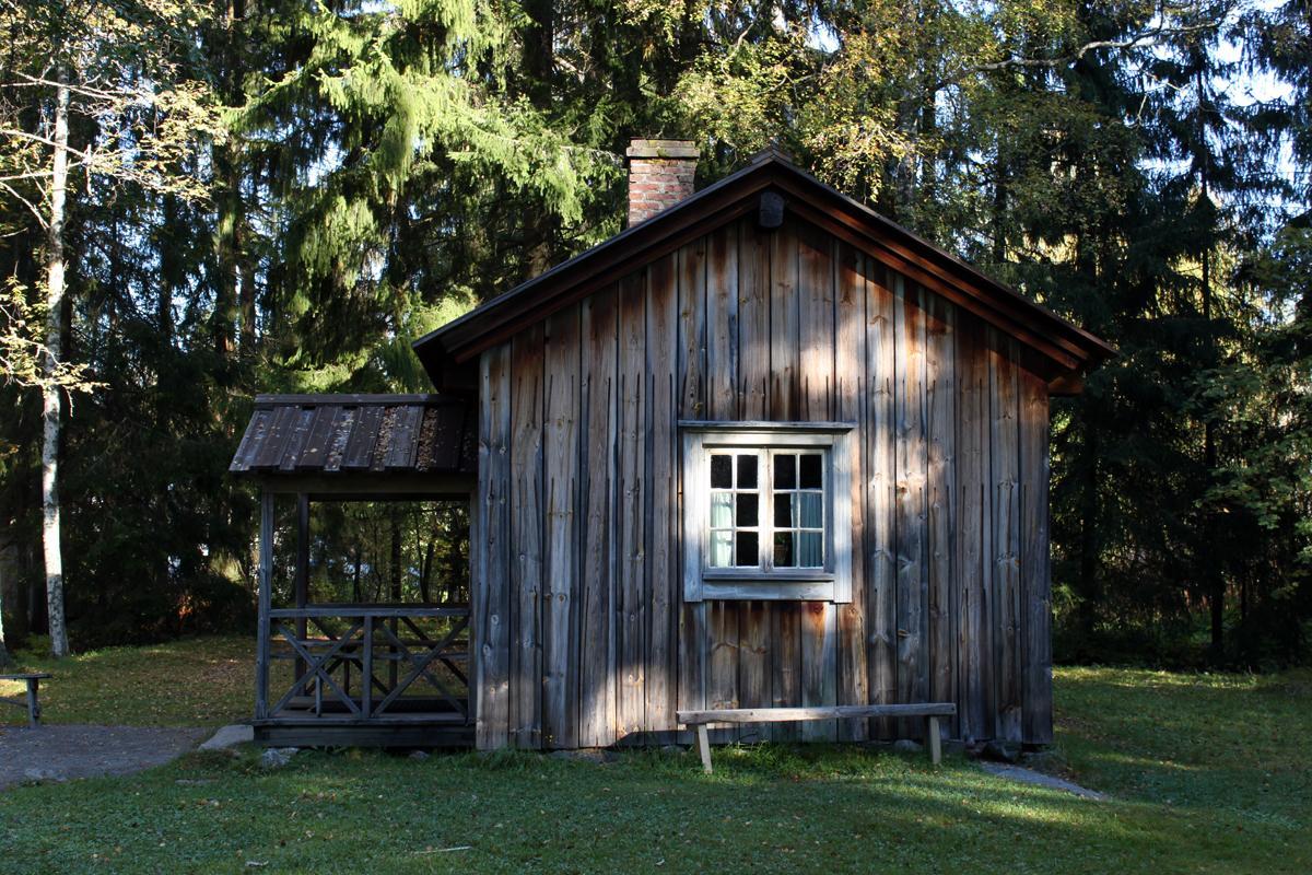 Albert Stenvallin koti eli Aleksis Kiven kuolinmökki Tuusulan Syvälahdessa