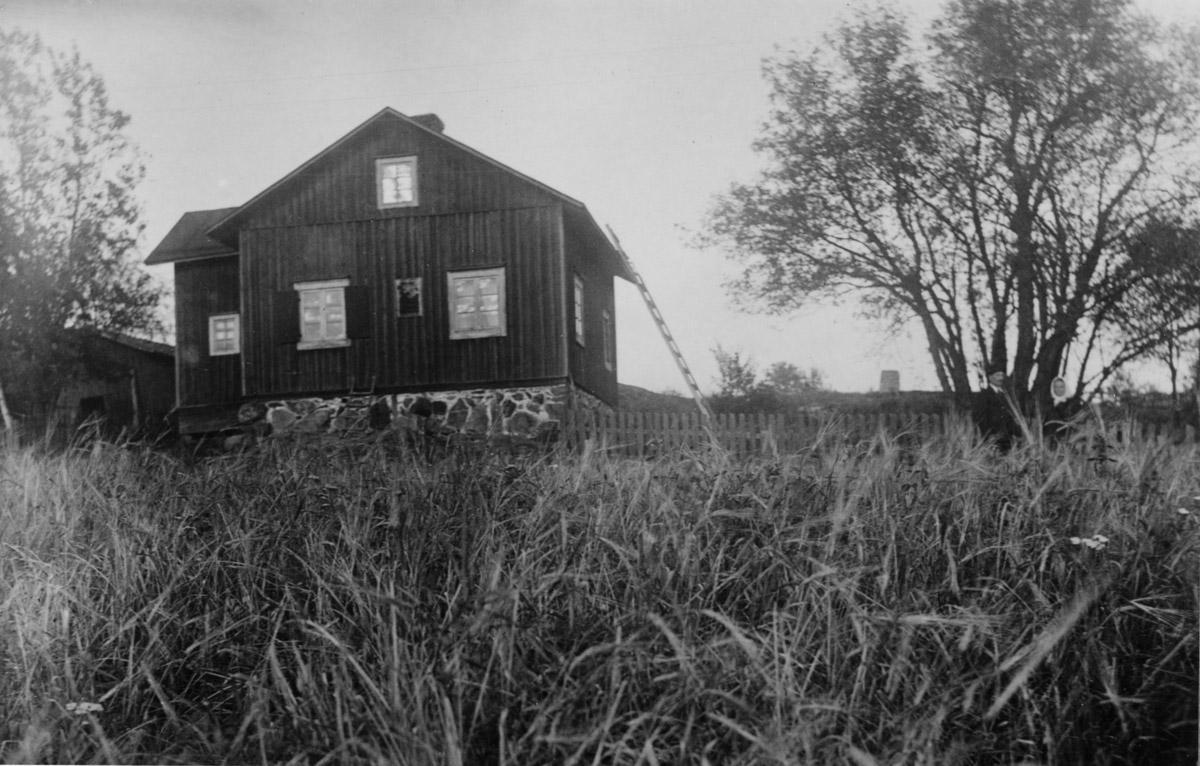 Aleksis Kiven syntymäkoti 1920-luvulla ennen restaurointia